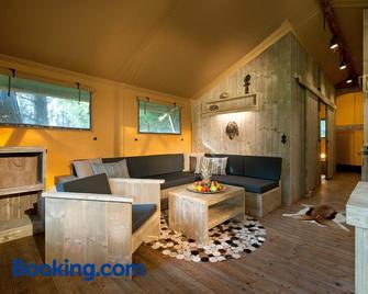 Ferienparadies Natterer See - Natters - Living room