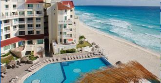 Bsea Cancun Plaza Hotel - Cancún - Piscina