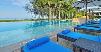Dusit Thani Krabi Beach Resort - Krabi - Piscina