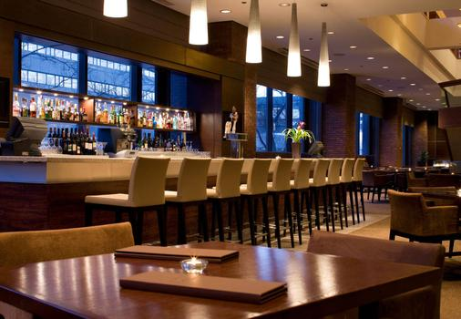 Delta Hotels by Marriott Calgary Downtown - Calgary - Bar