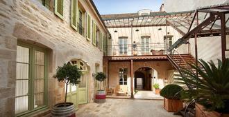 Chez Les Fatien - Beaune - Building