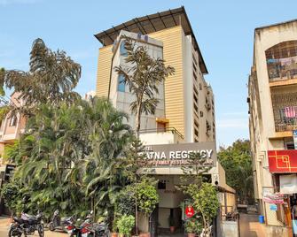 Oyo 12020 Hotel Ratna Regency - Pimpri - Chinchwad - Gebäude
