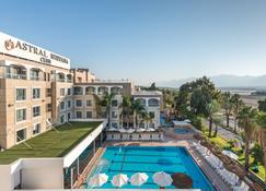 Astral Nirvana Club Hotel - Eilat - Piscina