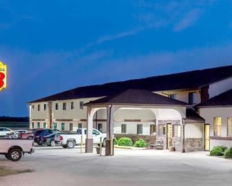 Super 8 by Wyndham Grinnell IA - Grinnell - Building