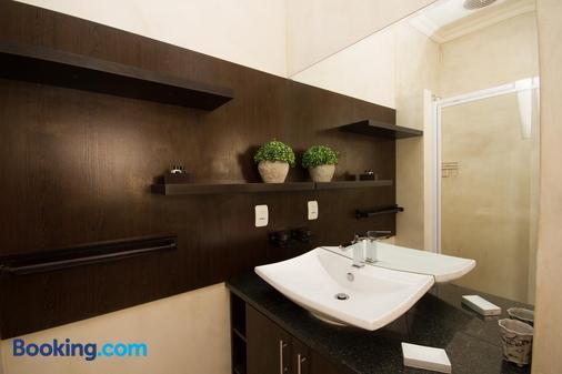 The Blue Lotus Guest House - Port Elizabeth - Bathroom