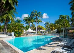 Hotel & Residences Golf Village - Saint-Francois - Piscina