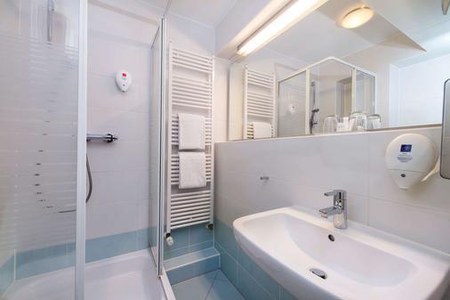 Tryp By Wyndham Frankfurt - Frankfurt am Main - Bathroom