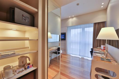 Best Western Plus Hotel Bologna - Venice - Bedroom