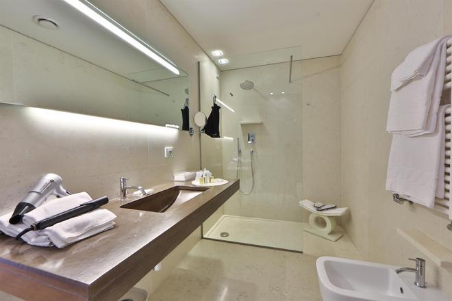 Best Western Plus Hotel Bologna - Venetsia - Kylpyhuone