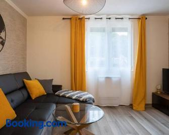 Les Rives Montans - Brens - Living room