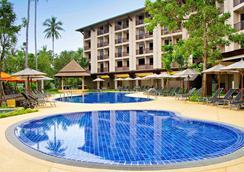 甲米奧南宜必思尚品酒店 - 喀比 - 游泳池