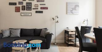 Cozy & Bright Apartment - Amberes - Sala de estar