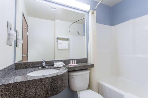克拉馬斯瀑布溫德姆米克羅酒店 - 克拉馬斯瀑布 - Klamath Falls - 浴室