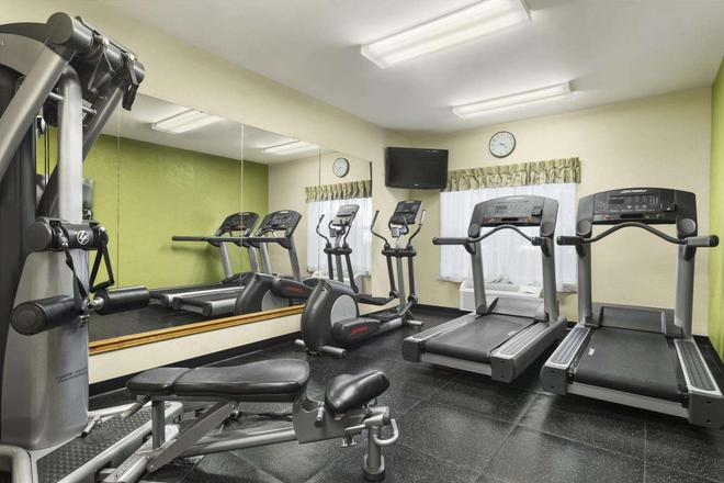 Country Inn & Suites by Radisson, Elyria,OH - Elyria - Fitnessbereich