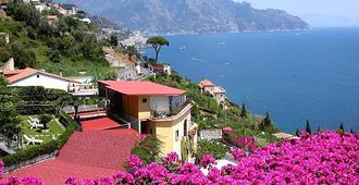 B&B Al Pesce D'Oro - Amalfi - Outdoors view