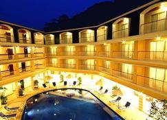Kalim Resort - Patong - Edificio