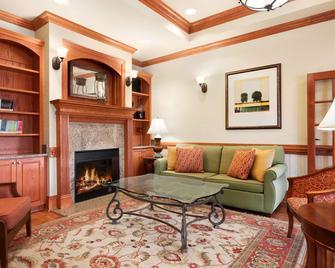 Country Inn & Suites by Radisson Tifton, GA - Tifton - Living room