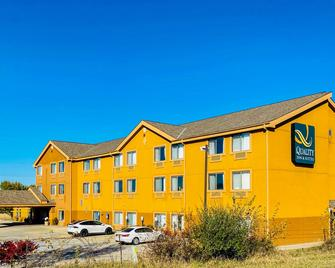 Quality Inn and Suites Bethany - Bethany - Будівля