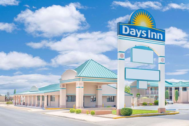 Days Inn by Wyndham Roswell - Roswell - Building