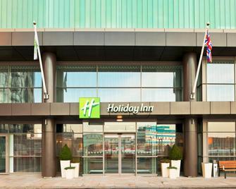 Holiday Inn Manchester - Mediacityuk - Солфорд - Здание