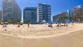 Ocean Manor Beach Resort - Fort Lauderdale - Beach