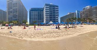 Ocean Manor Beach Resort - Fort Lauderdale - Strand