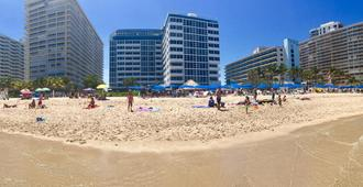 Ocean Manor Beach Resort - פורט לודרדייל - חוף