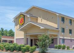 Super 8 by Wyndham Charlottesville - Charlottesville - Building