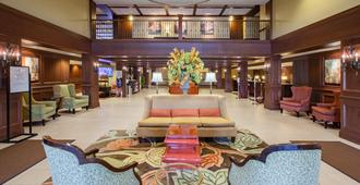 Crowne Plaza Louisville Airport Expo Center, An IHG Hotel - לואיסוויל - לובי