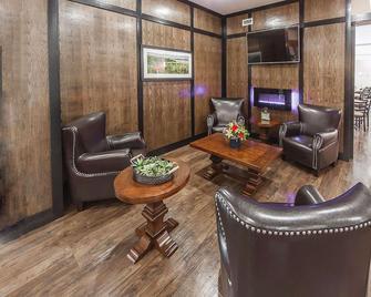 Comfort Inn & Suites - Bonnyville - Lobby