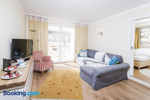 Hotel Sonnalm - Bad Kleinkirchheim - Living room