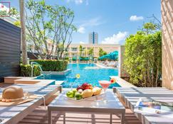 Millennium Resort Patong Phuket - Patong - Bedroom