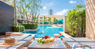 Millennium Resort Patong Phuket - Patong - Quarto