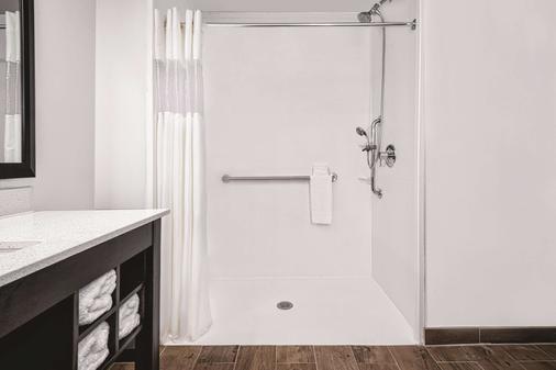 La Quinta Inn & Suites by Wyndham McAllen Convention Center - McAllen - Kylpyhuone