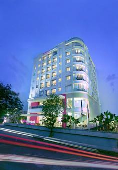 Favehotel Puri Indah Jakarta - West Jakarta - Rakennus
