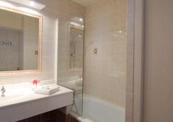 Best Western Hotel Atrium - Arles - Bathroom