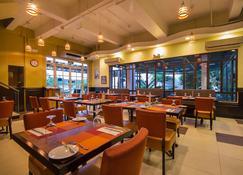 Microtel by Wyndham Batangas - Santo Tomas - Restaurant