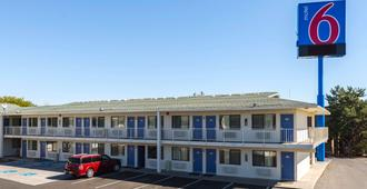 Motel 6 Reno West - Reno - Building