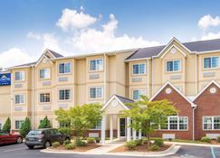 Microtel Inn & Suites by Wyndham Montgomery - Montgomery - Building