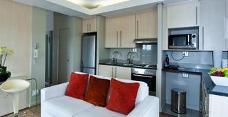 Genesis All-Suite Hotel - Johannesburg - Kitchen