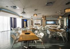 Genesis All-Suite Hotel - Johannesburg - Ravintola