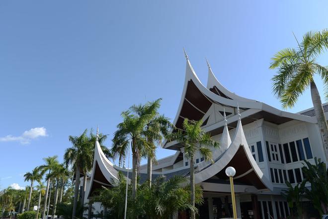 The Grand Beach Resort Port Dickson - Port Dickson - Building
