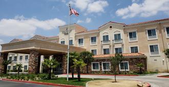 Country Inn & Suites by Radisson, San Bernardino - Redlands