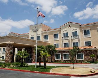 Country Inn & Suites by Radisson, San Bernardino - Redlands - Building