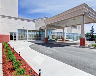 Best Western PLUS Bowmanville - Bowmanville - Gebäude