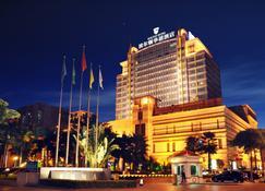 東莞波爾頓華禧酒店 - 東莞 - 建築