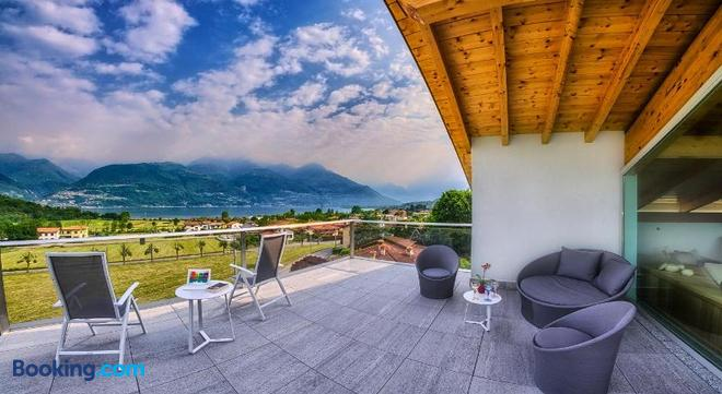 Rainbow Holiday Apartments Lake Como - Colico - Balcony