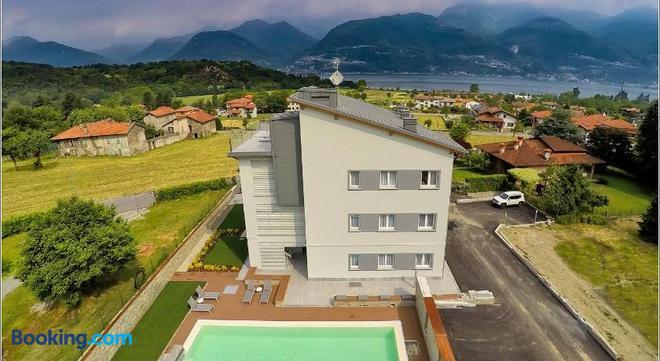 Rainbow Holiday Apartments Lake Como - Colico - Building