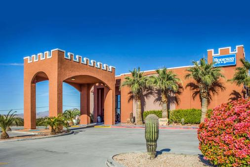 Rodeway Inn & Suites - Lake Havasu City - Building