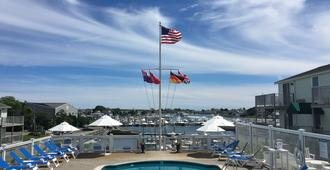 Anchor In Distinctive Waterfront Lodging - Hyannis - Uima-allas